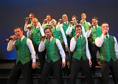 12 IRISH TENORS